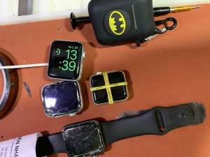 thay-mat-kinh-apple-watch