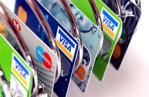 Có nên làm thẻ tín dụng