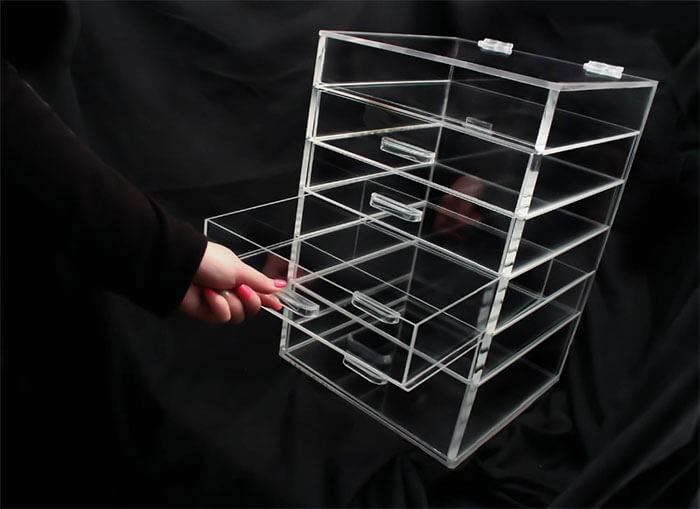 làm hộp mica theo yêu cầu