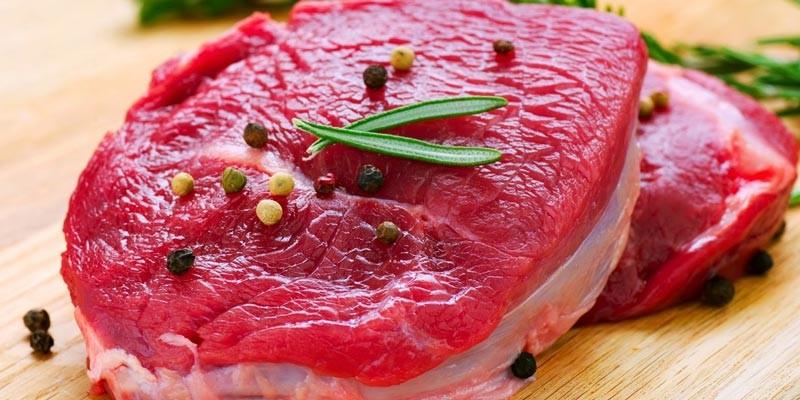 Lựa chọn miếng thịt tươi, khô ráo