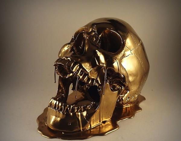 H2FSbF6 mạnh đến mức có thể làm tan chảy vàng