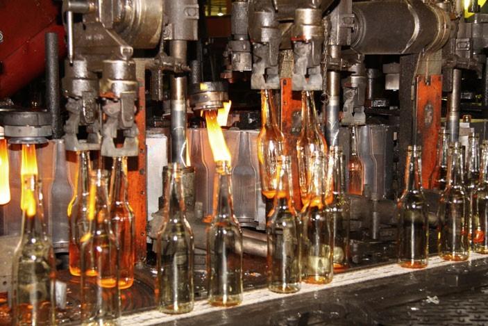 Natri Sunfat được ứng dụng trong ngành sản xuất thủy tinh