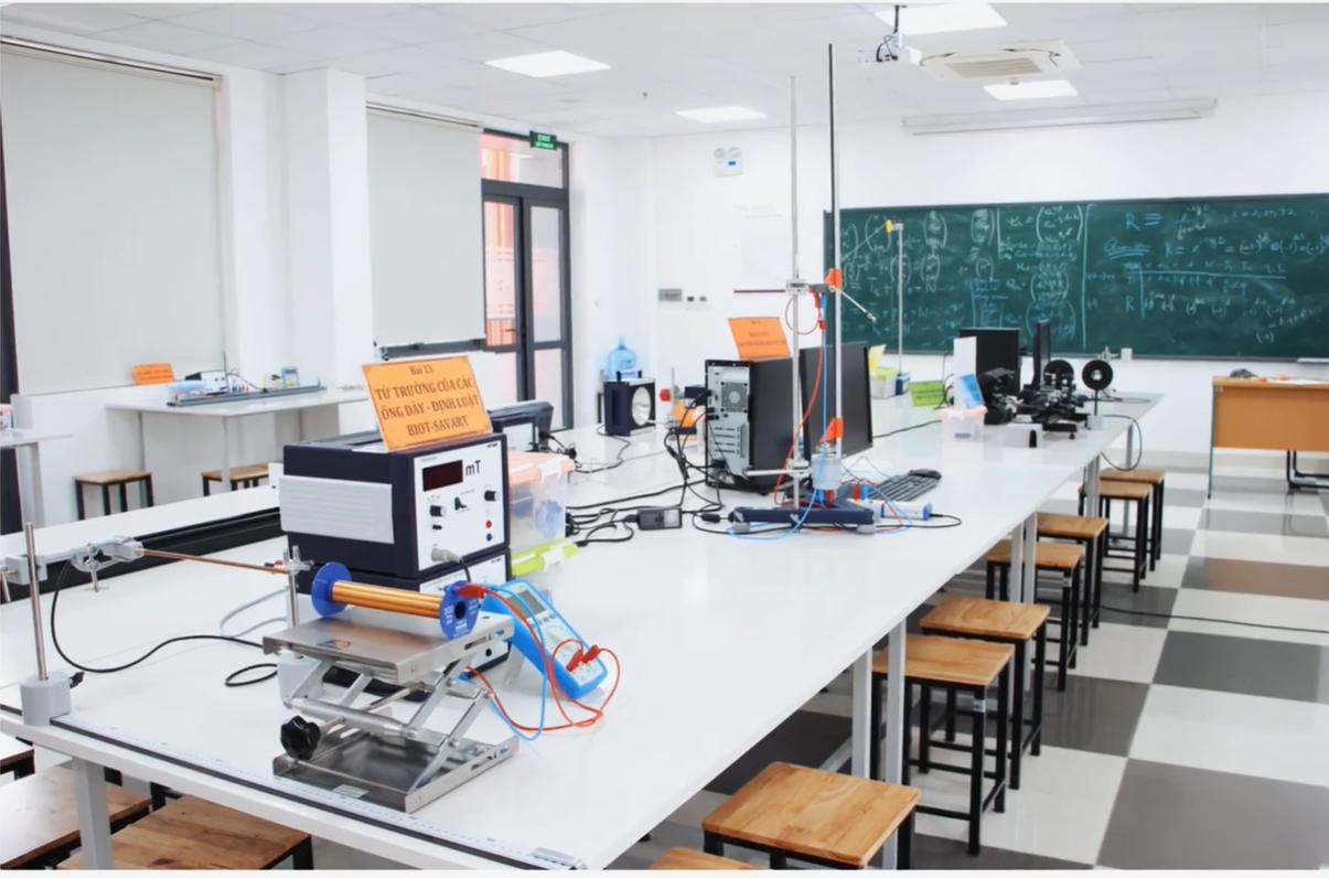 Phòng Lab thí nghiệm vật lý