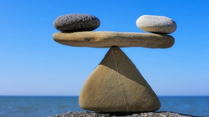 Trọng lượng riêng là một đại lượng thể hiện mối liên hệ giữa trọng lượng và thể tích