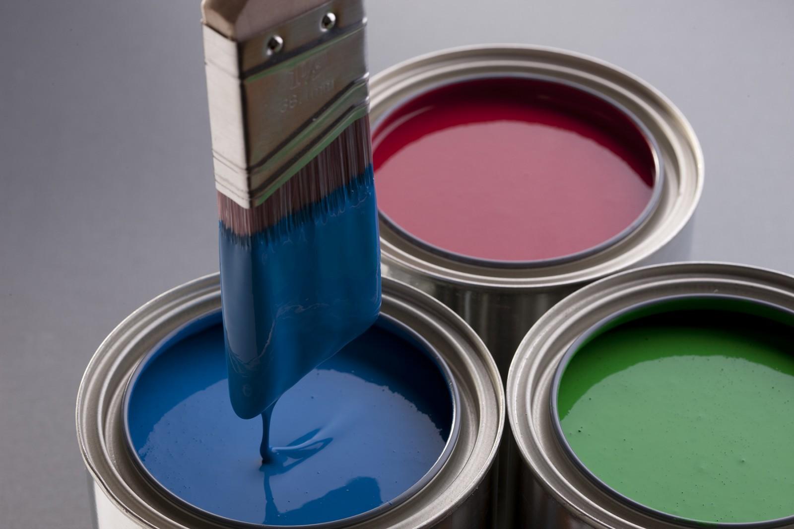 Pha loãng sơn bằng dung môi là xăng thơm