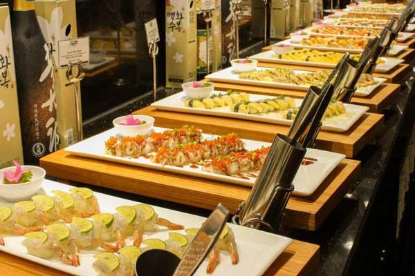 buffet-hai-san-nha-trang-an-no-cang-bung