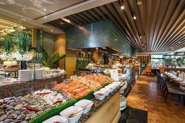 buffet-hai-san-tai-nha-trang-thom-ngon-gia-re
