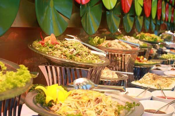 buffet-hai-san-tai-vinpearl-thom-ngon-la-mieng