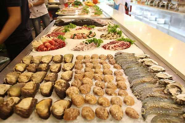 nguyen-lieu-hai-san-tuoi-song-tai-buffet-tbq