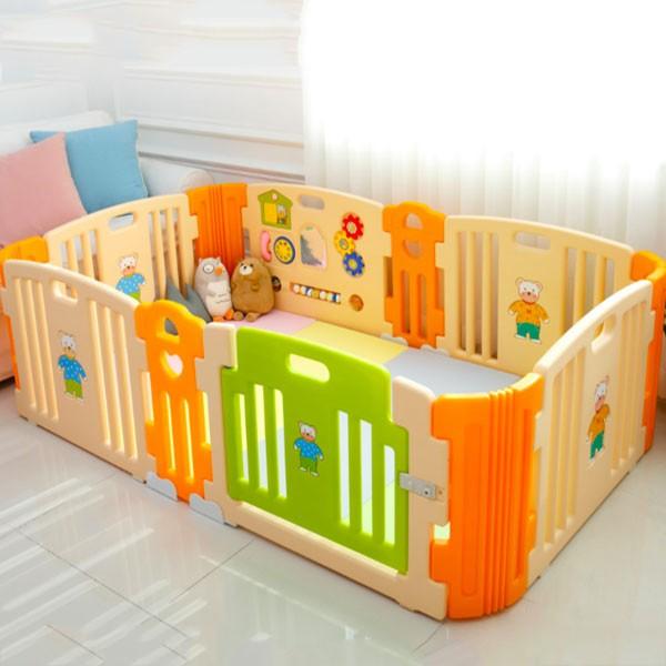 Quây cũi nhựa cho bé Hàn Quốc có nhạc kèm đồ chơi HNP736M