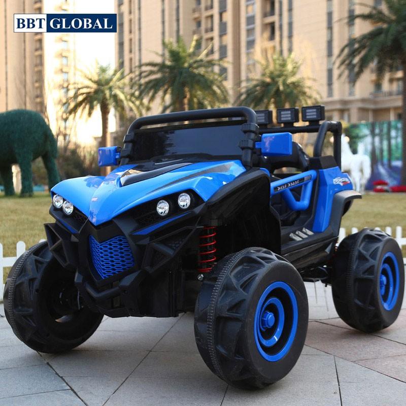 xe ô tô điện trẻ em địa hình màu xanh