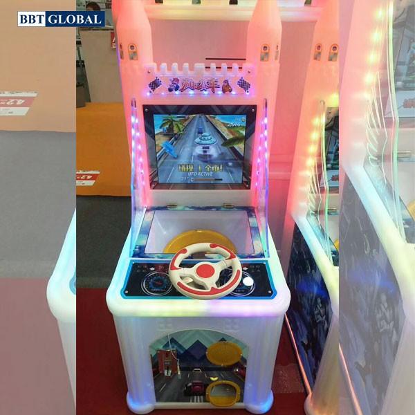 may-choi-dua-xe-o-to-dien-tu-khu-vui-choi-game-6021-1