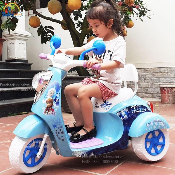 xe máy cho bé gái công chúa Elsa