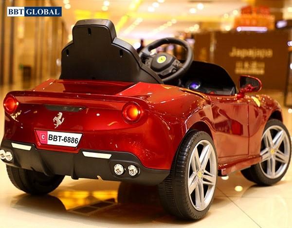 Xe ô tô điện trẻ em Ferrari BBT-6886 | Đuôi xe