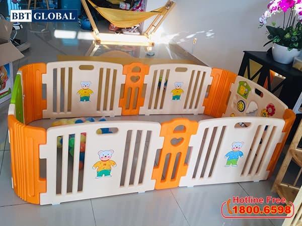 Quây cũi nhựa Hàn Quốc cho bé có đồ chơi HNP736