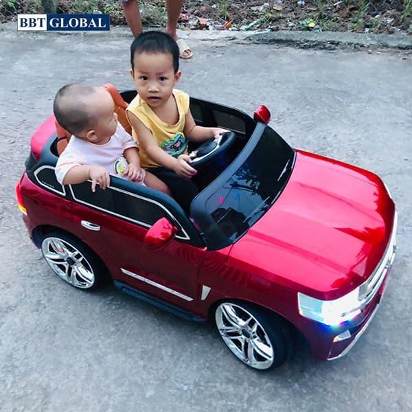 Xe ô tô điện trẻ em Land Cruiser