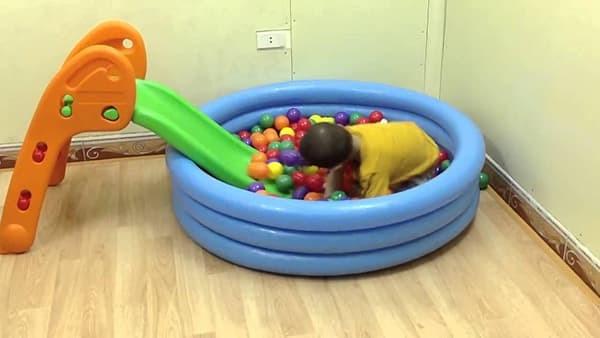Cách chọn đồ chơi cho bé phát triển thể chất