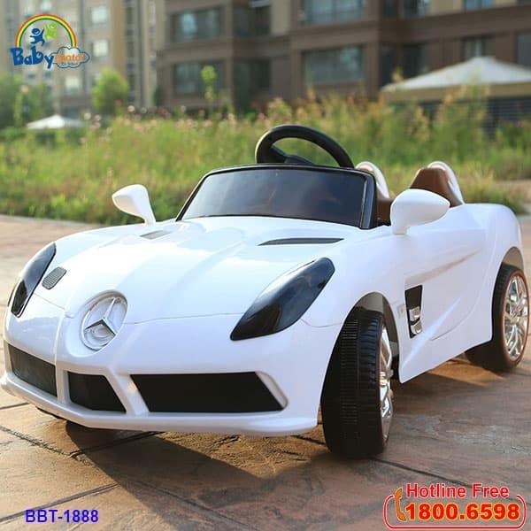 Xe ô tô điện trẻ em 2 động cơ dáng Mercedes trắng BBT-1888T