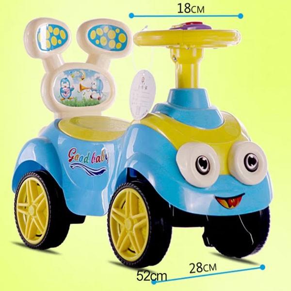 Xe chòi chân ô tô cho bé có nhạc hình Minion SW003