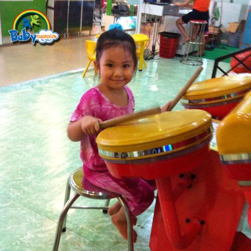 đồ chơi cho bé Dương Ngọc Vân Anh 2