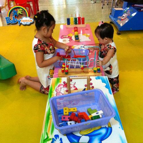 đồ chơi cho bé Dương Ngọc Vân Anh