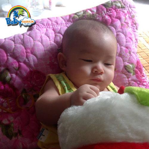 đồ chơi cho bé Nguyễn Hoàng Nam 2