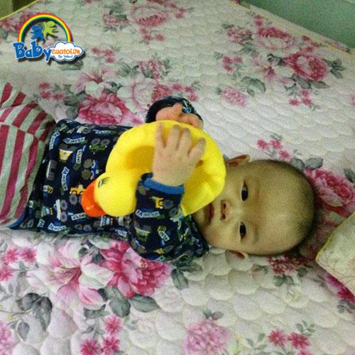 đồ chơi cho bé Nguyễn Hoàng Nam 4