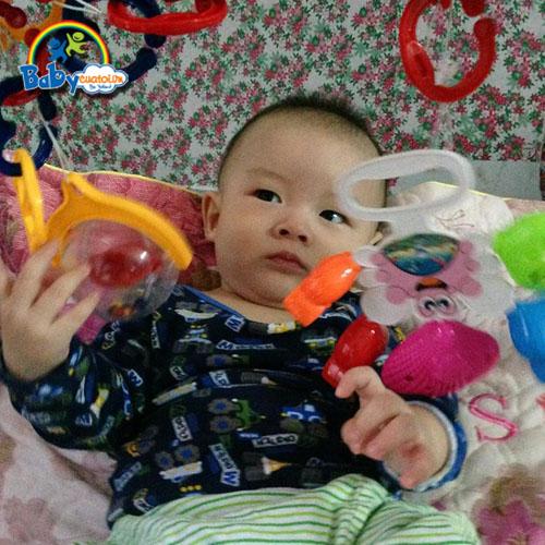 đồ chơi cho bé Nguyễn Hoàng Nam