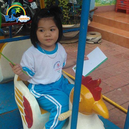 đồ chơi cho bé Nguyễn Ngọc Bảo Uyên 3