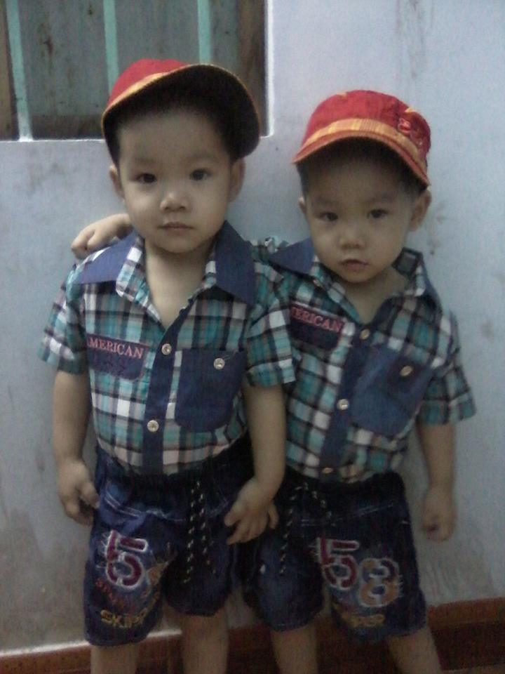 đồ chơi cho bé Phạm Tấn Tuyên - Phạm Tấn Phong 1