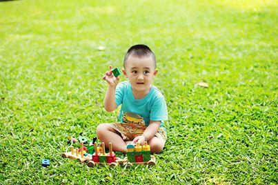 đồ chơi cho bé Trần Gia Huy 1
