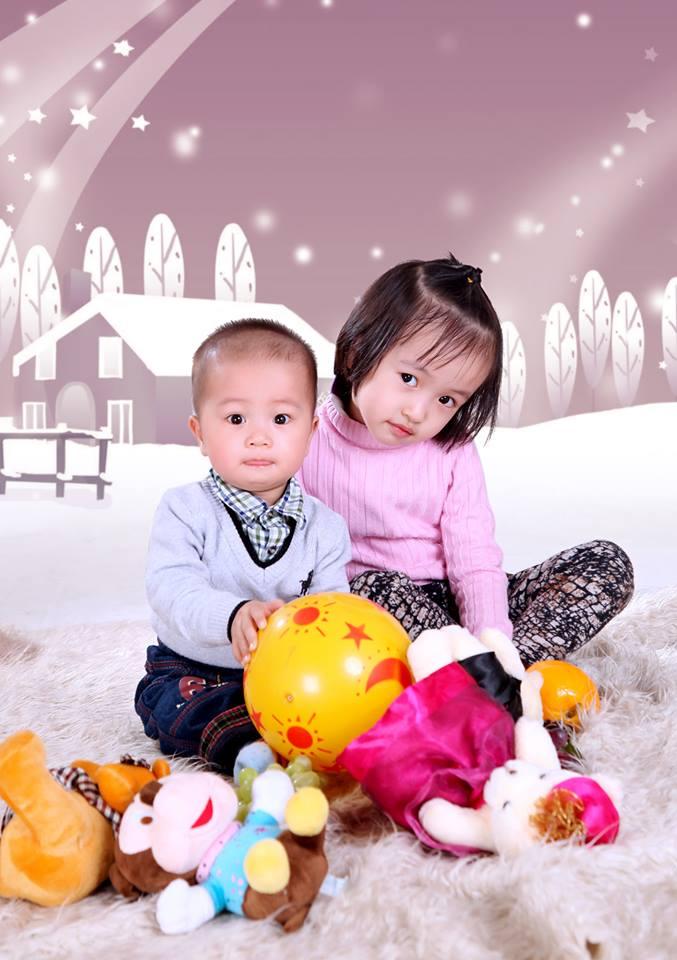 đồ chơi cho bé Lê Hoàng Bách 1