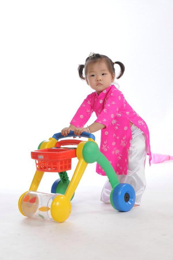 đồ chơi cho bé Mai Lưu Thủy Trúc 2