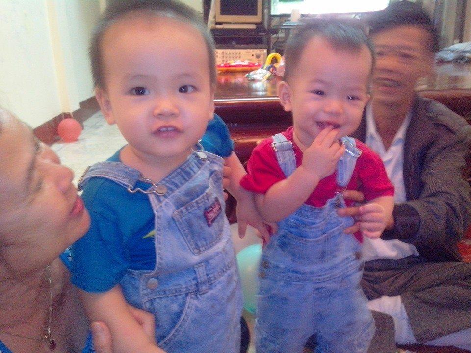 đồ chơi cho bé Minh Quân và Minh Vương