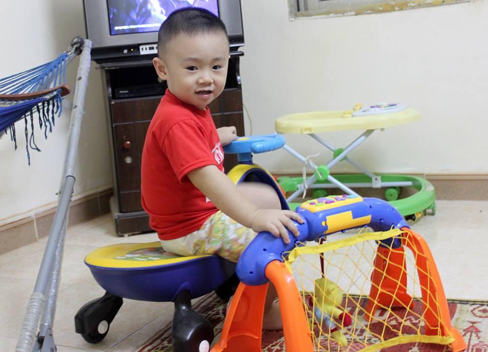 đồ chơi cho bé Nguyễn Mạnh Hải 2
