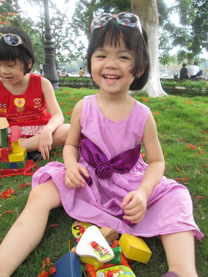 đồ chơi cho bé Đặng Minh Châu và Đặng Thu Quyên 5