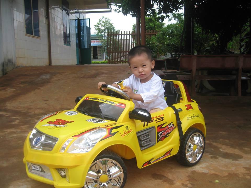 đồ chơi cho bé Phạm Vũ Nhật Minh 1