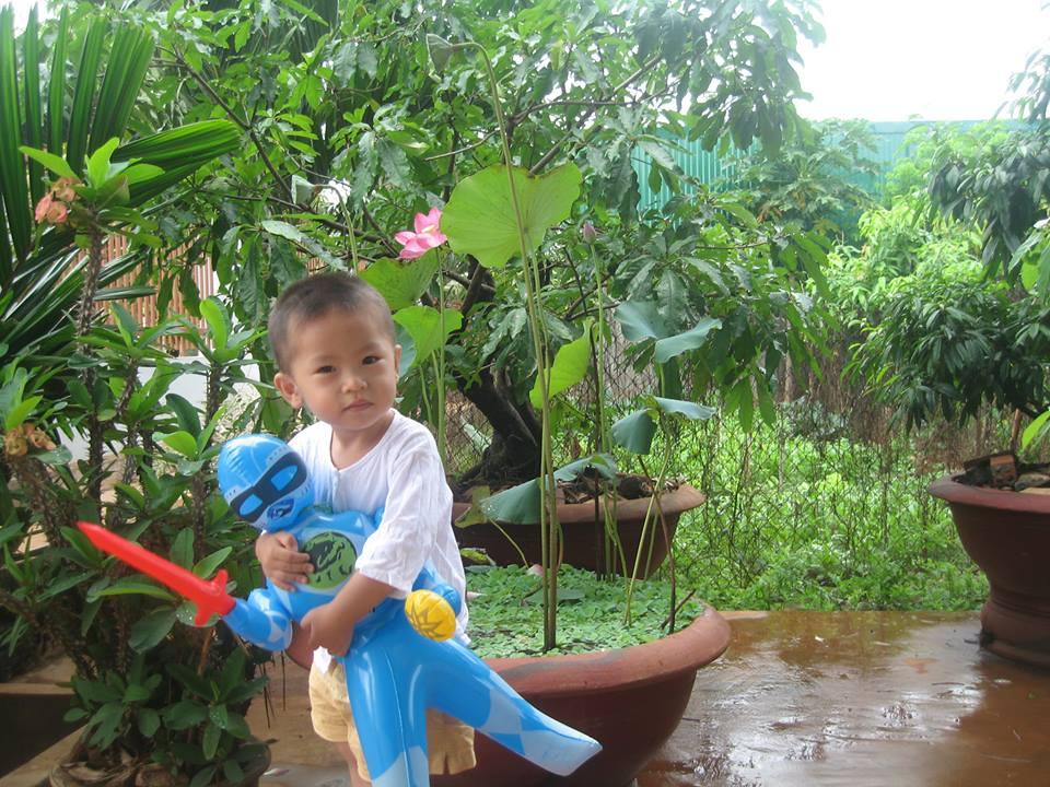 đồ chơi cho bé Phạm Vũ Nhật Minh
