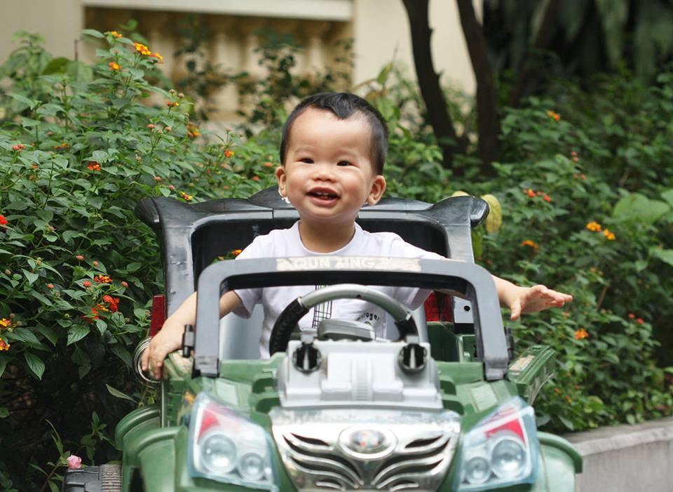 đồ chơi cho bé Ngô Minh Đức 2