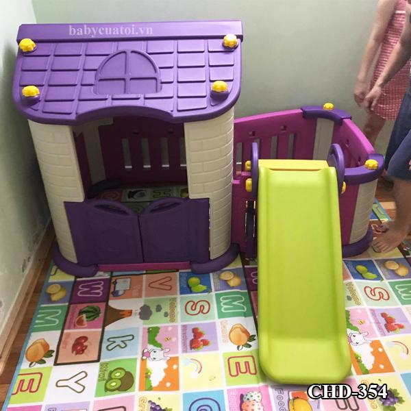 Mẫu cầu trượt kết hợp nhà chòi như 1 khu vui chơi mini trong nhà cho bé