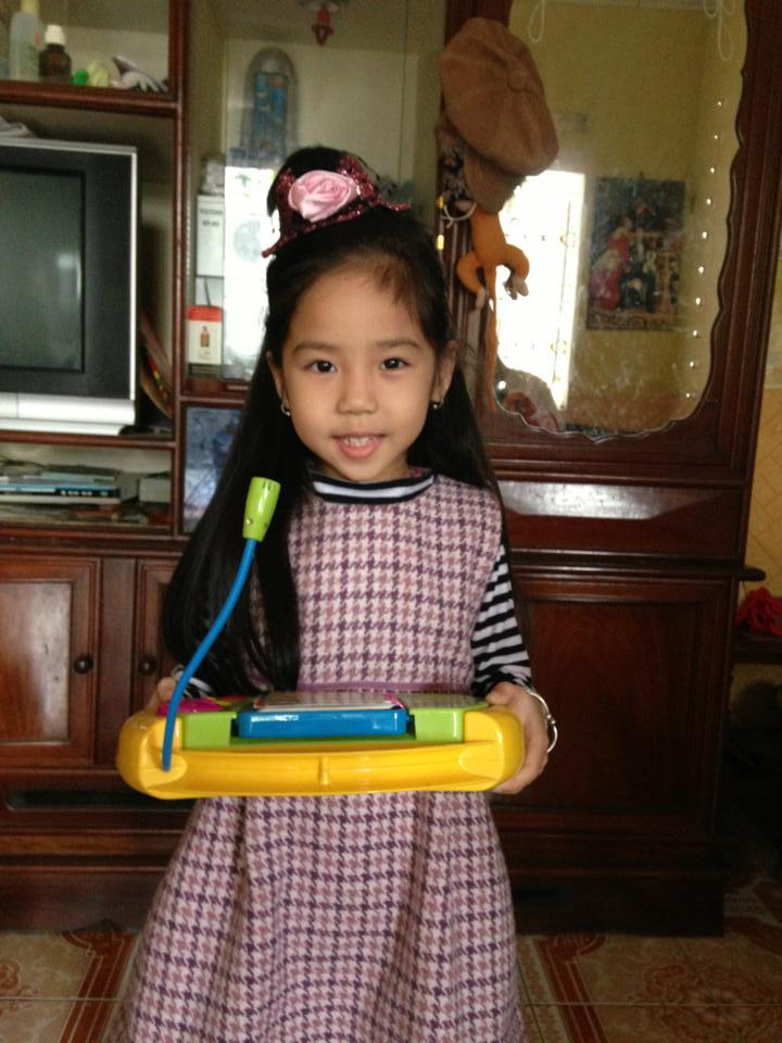 đồ chơi cho bé Nguyễn Thu Hiền 1