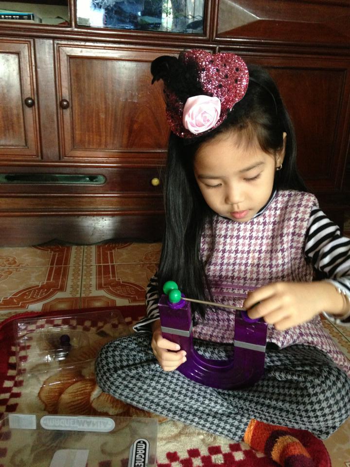 đồ chơi cho bé Nguyễn Thu Hiền 2