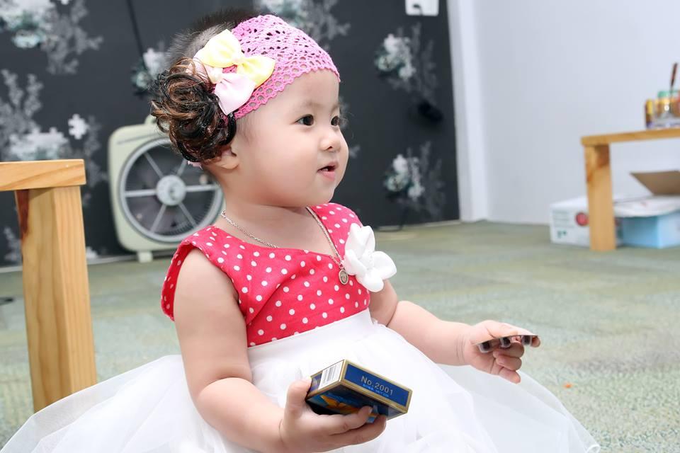 đồ chơi cho bé Nguyễn Trần Bảo Vi 3