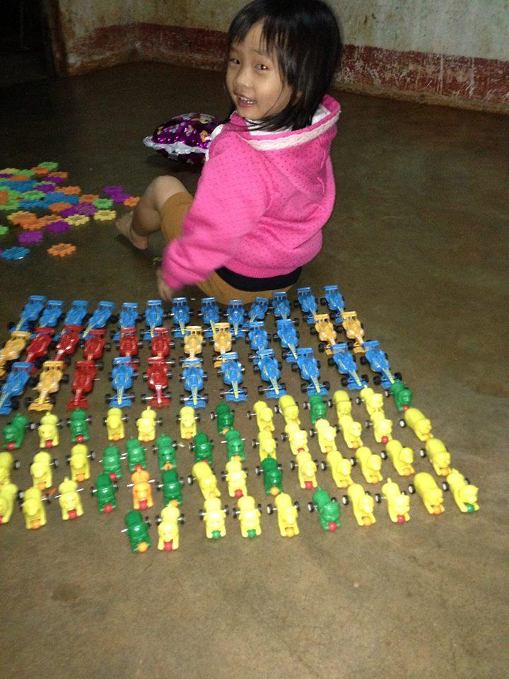 đồ chơi cho bé Trần Nguyễn Bảo Trân