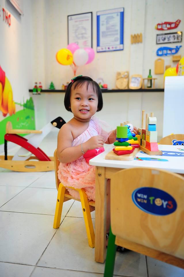 đồ chơi cho bé Nguyễn Bảo Châu 2