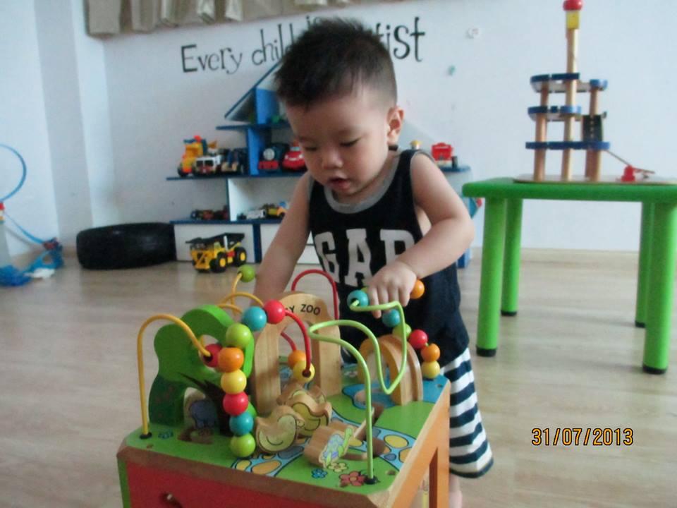 đồ chơi cho bé Lê Nguyễn Gia Nguyên 2