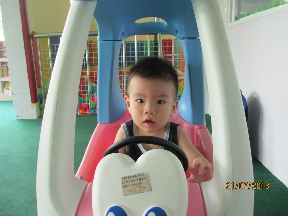 đồ chơi trẻ em Lê Nguyễn Gia Nguyên