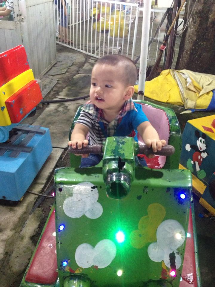 đồ chơi cho bé Vũ Văn Phúc 1