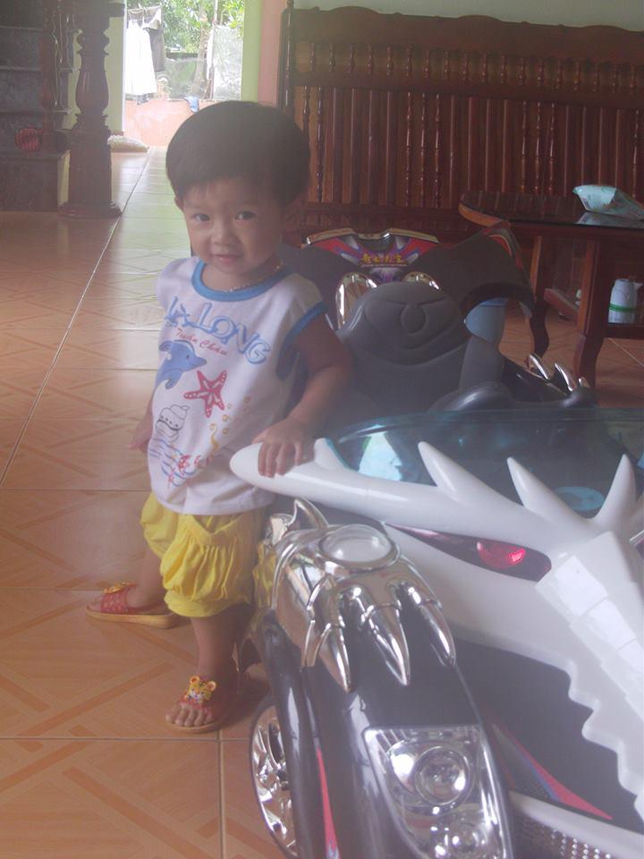 đồ chơi cho bé Kiều Linh Mi 4