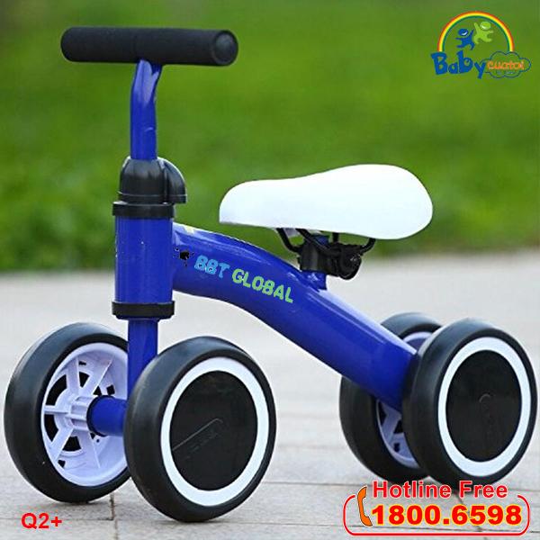 Xe chòi chân 3 bánh là món đồ chơi trẻ em cho bé trai 1 tuổi thích nhất luôn